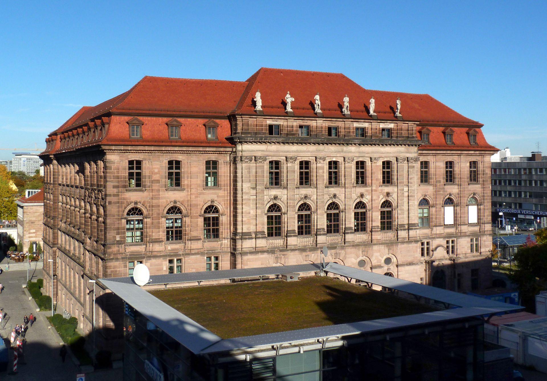 ehem. Bayerische Landesgewerbeanstalt Südwestfassade