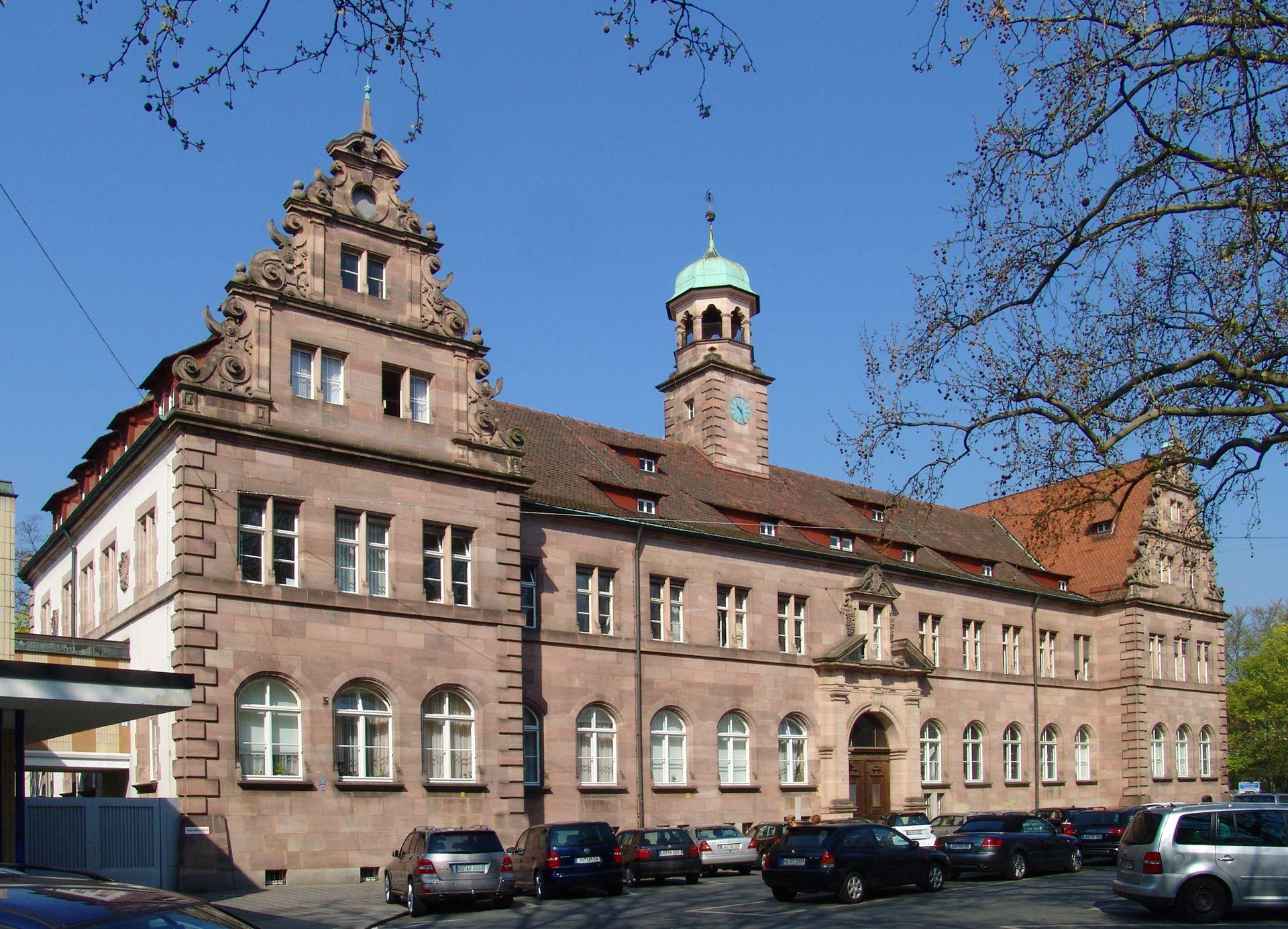 Hauptgebäude des Klinikum Nord Fassade, Schrägansicht