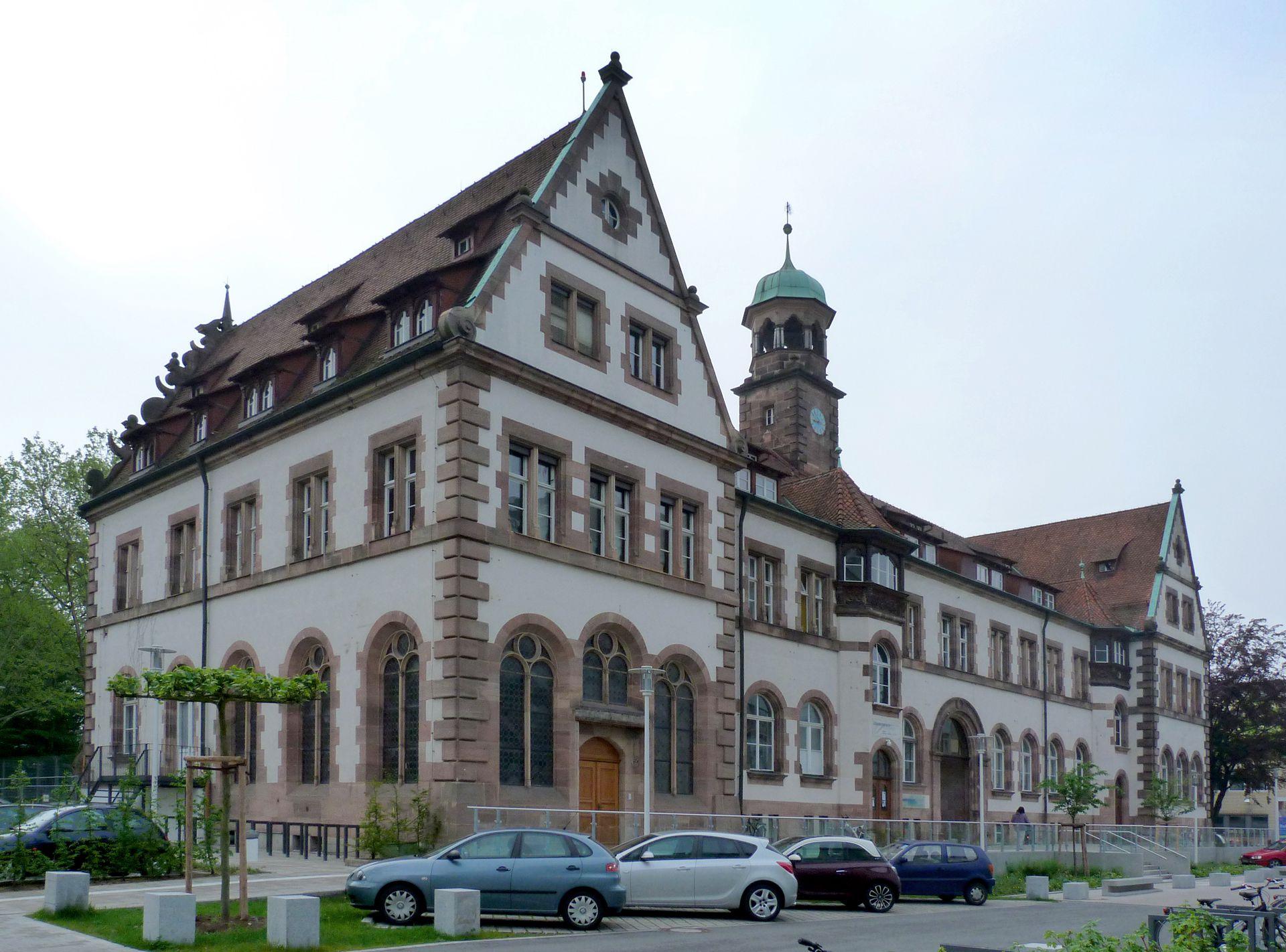 Hauptgebäude des Klinikum Nord Rückfassade, Schrägansicht