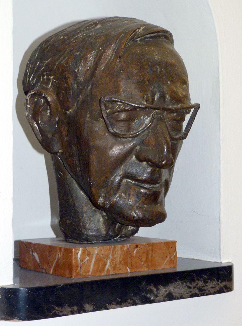 Wilhelm Rieger seitliche Ansicht von links