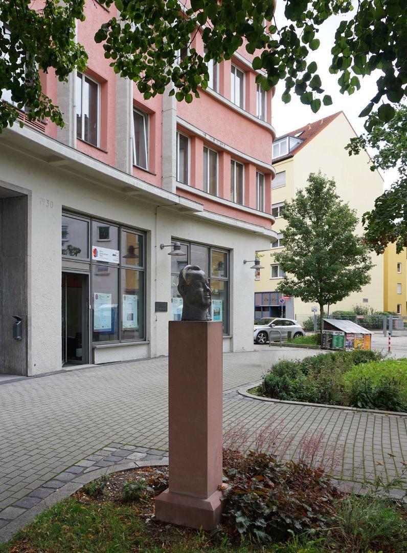 Willy Brandt Standort vor dem Karl Bröger Haus in Nürnberg