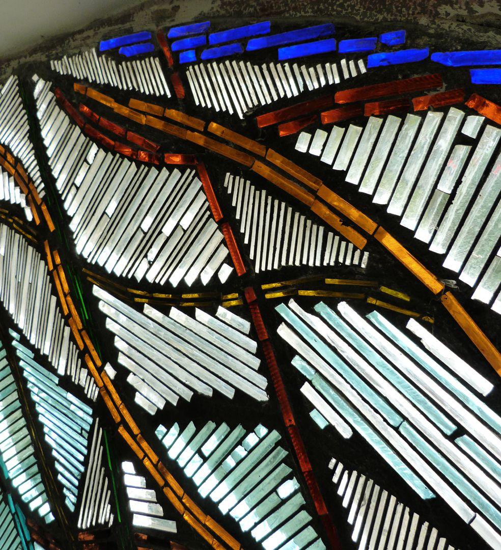Wohnhausfenster Schrägansicht, obere Hälfte, Detail