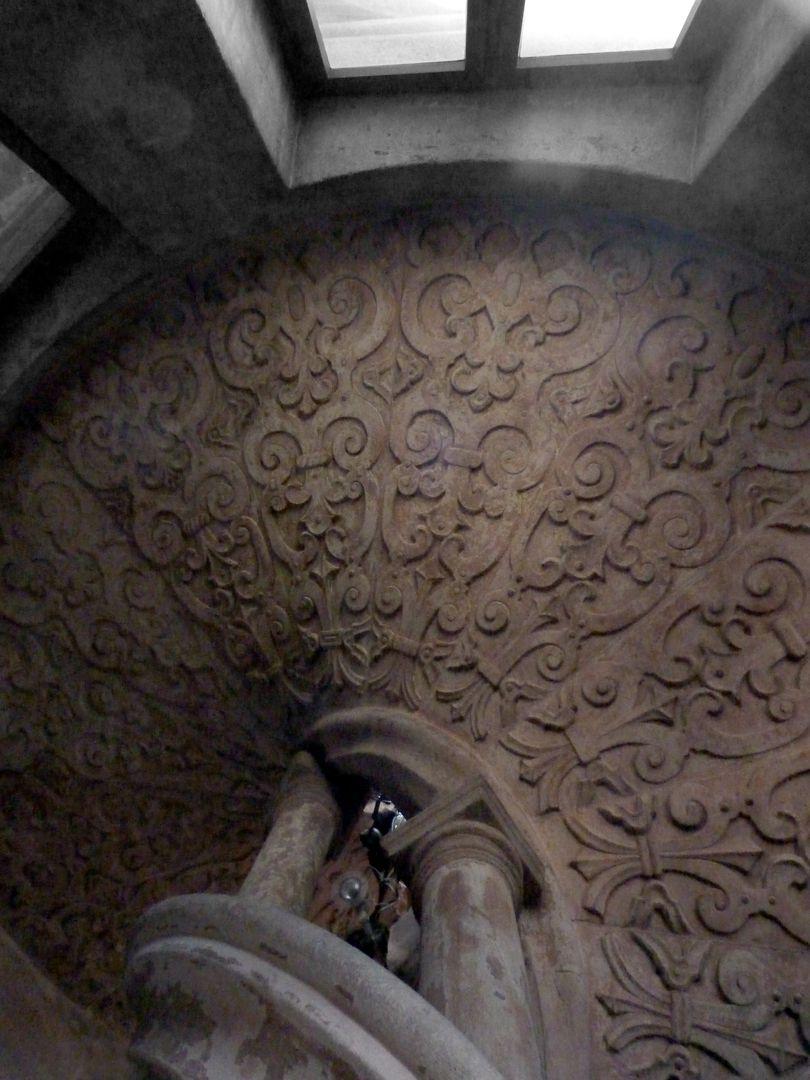 Pellerhaus Treppengehäuse, Unterseite der Stufen