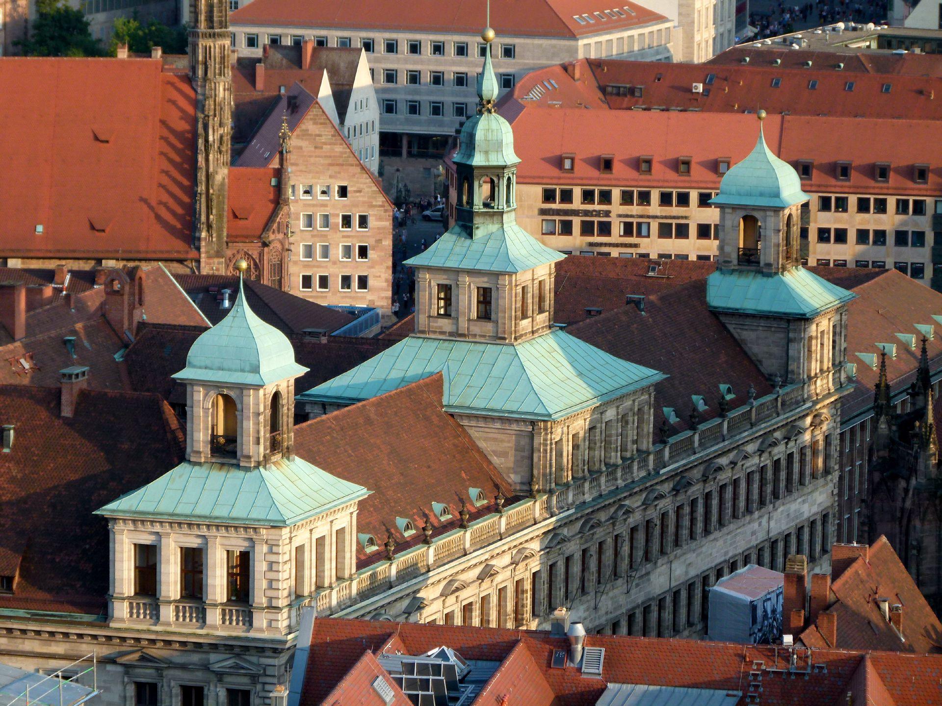 Rathaus, Wolffscher Bau Dachaufbauten von NW
