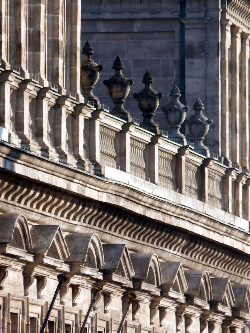 Rathaus, Wolffscher Bau Giebel-, Gebälk-, und Balustradenflucht