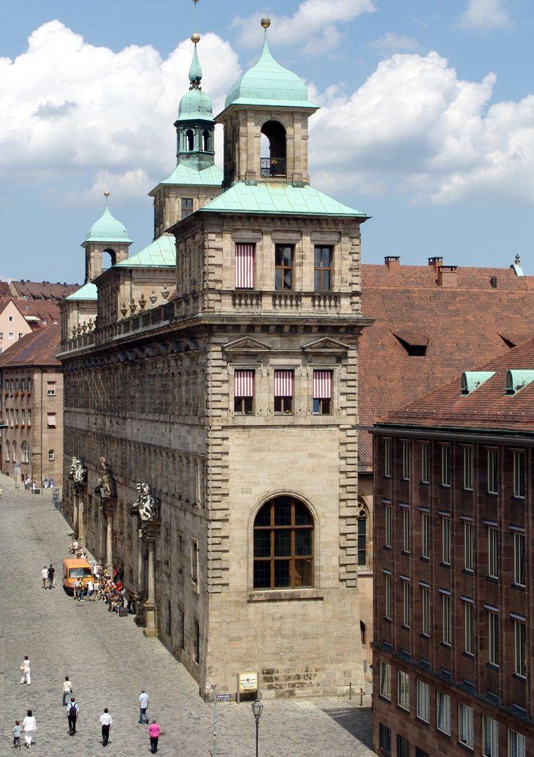 Rathaus, Wolffscher Bau Westfassade von SW, erhöhte Ansicht