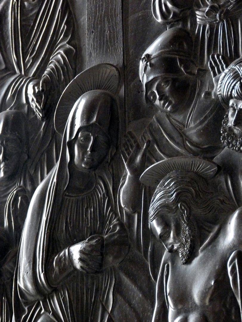 Beweinung Christi: Epitaph Eisen-Behaim Detail Schrägansicht