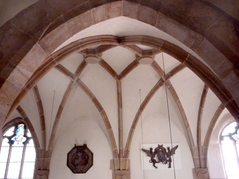Wolfgangskapelle Blick von der Emporenmitte zum Gewölbe