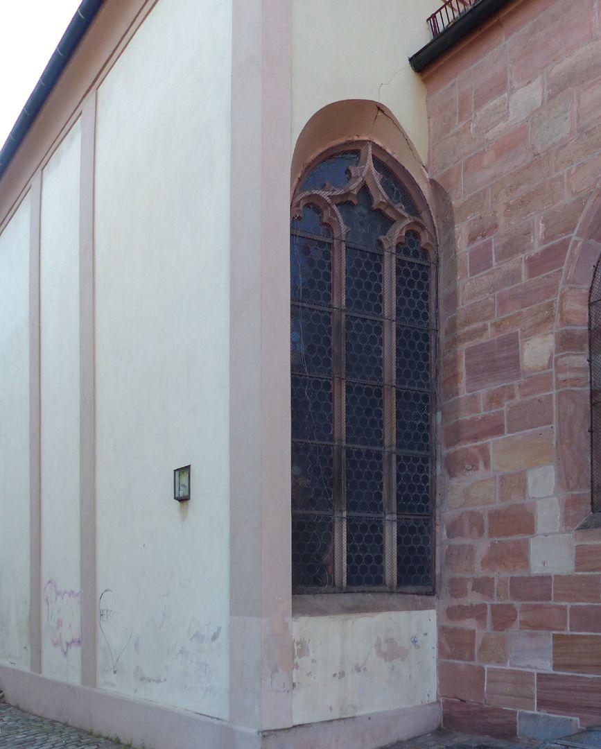 Wolfgangskapelle Quersaal der Kapelle mit Fenster im Südosten und Übergang zur Euchariuskapelle